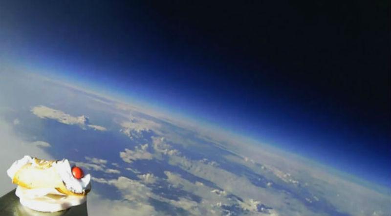 Risultati immagini per cannolo nello spazio